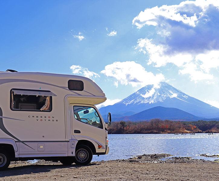富士山とキャンピングカー